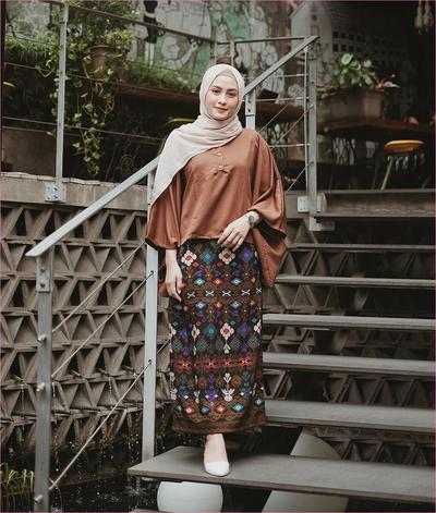 Makin Stylish dengan Inspirasi Baju Batik Buat Remaja, Penasaran?