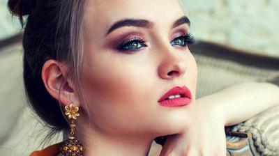 Mau Tampil Stunning dengan Bibir Merona? Kenakan Lipstik Matte Terbaik dari Wardah Ini