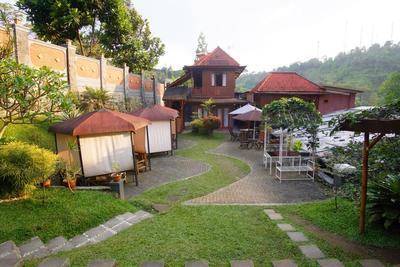 Rekomendasi Villa di Lembang yang Asik buat Liburan Bareng Keluarga & Teman!