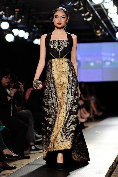 Long Dress Batik Untuk Pesta