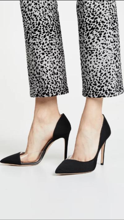 Warna hitam memang selalu jadi andalan nomor satu dalam dunia sepatu. High  heels hitam menjadi sepatu andalan banyak wanita karier. e0f097c170