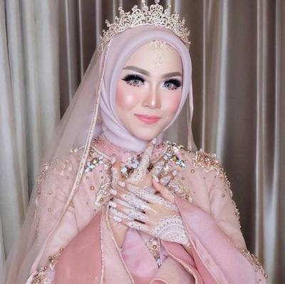 Mau Menghemat Budget Saat Pernikahan? Ini Tutorial Hijab Pengantin yang Bisa Dilakukan Sendiri