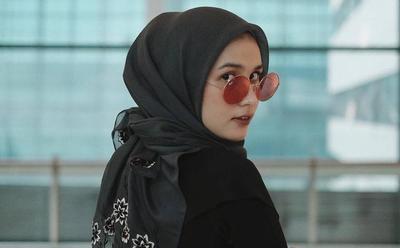 Tutorial Cara Simple Pakai Hijab Terbaru 2019 ala Selebgram Dwi Handayani
