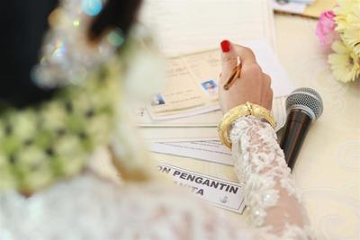 Selesaikan Urusan Berkas Pernikahan