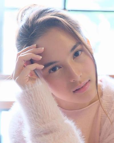 Ini Daftar Artis Tercantik Indonesia yang Tetap Memesona dengan Make Up Sederhana! Siapa Saja Ya?