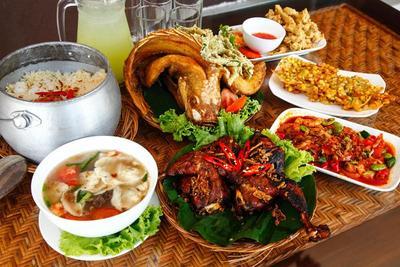 Wajib Coba Nih, 5 Restoran Masakan Sunda Terkenal di Jakarta 'Nyunda Pisan'!
