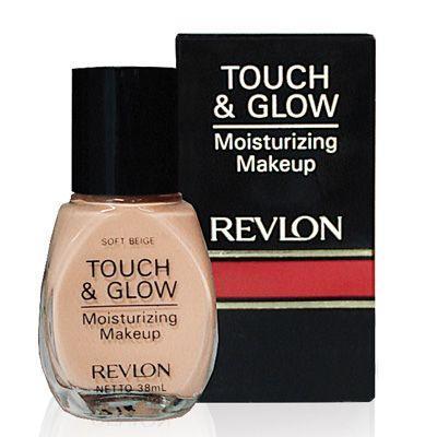1. Revlon Touch & Glowing Moisturizing Makeup