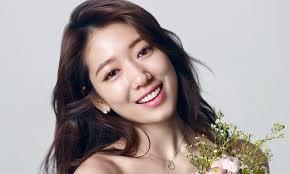 5 Langkah Skincare Routine Rahasia Wajah Glowing ala Artis Korea