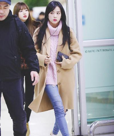 Jisoo Berpenampilan Casual Winter