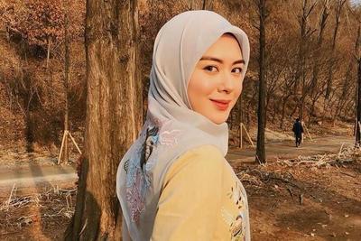 Hijab Cantik yang Syari ala Artis Korea Ayana Moon