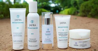Tertarik Coba Jafra Cosmetics? Ini 5 Produk Andalannya!