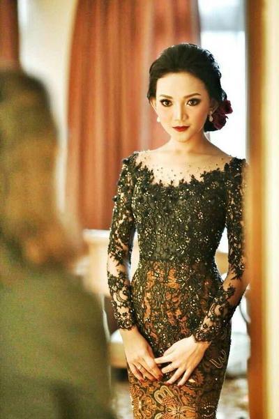 Berbagai Macam Model Kebaya Brokat Terbaru Cantik Dan Elegan
