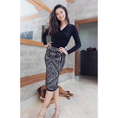 Shape Midi Skirt