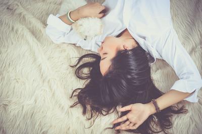 Mengenal White Noise, Suara Lembut yang Bisa Jadi Penghantar Tidur Nyenyak