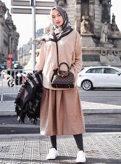 Hijab Perpaduan Coklat & Abu-Abu Pattern