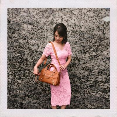 Kebaya Brukat Pink Simple