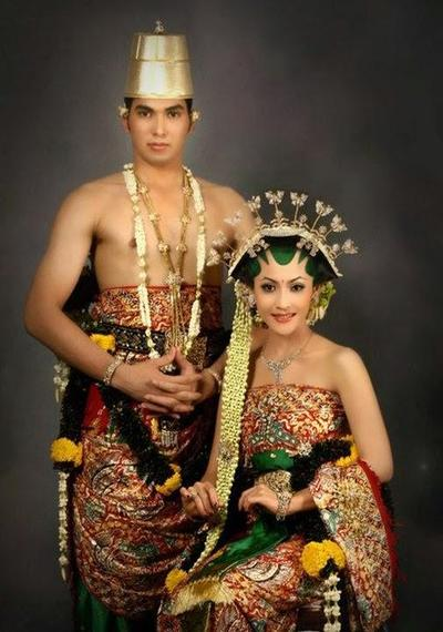 Pakaian Adat Sumatera Barat, Pakaian Adat Jawa, Pakaian Adat Betawi