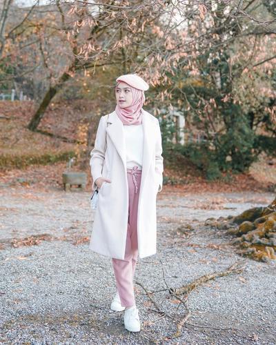 Kreasi Cantik Hijab dengan Topi Baret ala Influencer, Kece Abis!