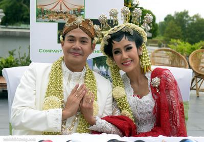 Ardina Rasti & Arie Dwi Andhika