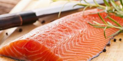 2. Larangan Memakan Ikan Mentah