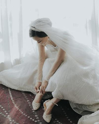 Tampil Anggun Saat Pernikahan dengan Sepatu Cantik dari 4 Brand Ternama