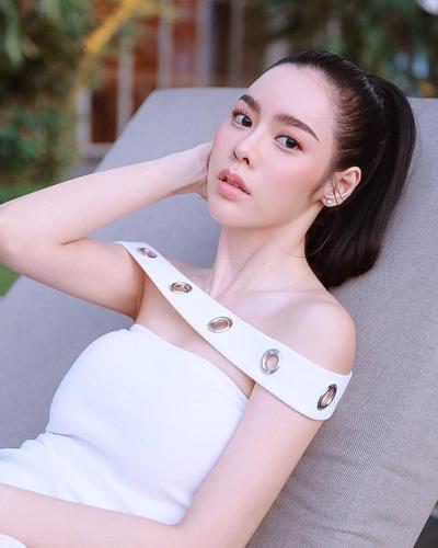 Flawless Makeup ala Artis Cantik Thailand, Preechaya Pongthananikorn 'ATM Error'