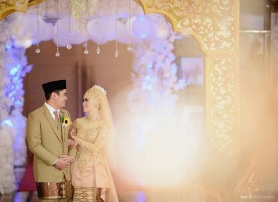 Bukan Cuma Putih, Kebaya Muslim Modern Ini Juga Cantik Dikenakan Saat Pernikahan! Intip Yuk Berbagai Modelnya di Sini