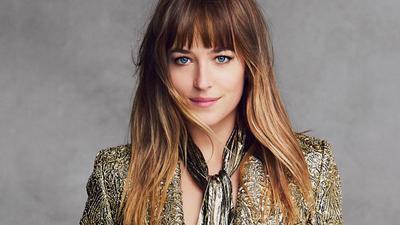 Model Rambut Panjang dari Artis Hollywood Ini Oke Banget, Ladies! Kamu Bisa Tiru untuk Tampilan Sehari-hari!
