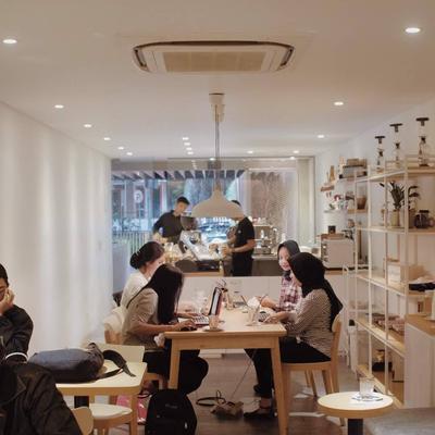 5 Recommended Cafe di Bandung yang Asyik untuk Mengerjakan Skripsi, Makin Semangat Deh!