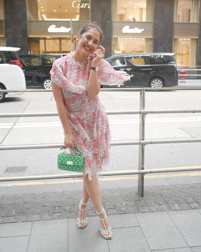 Flower Dress Menambah Kecantikan Pevita