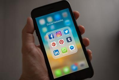 4.  Media Sosial Bukan Dipandang Dari Sudut Keburukan, Tapi Memiliki Berbagai Manfaat