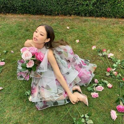 Dress Floral Semi Transparan Seharga Mobil