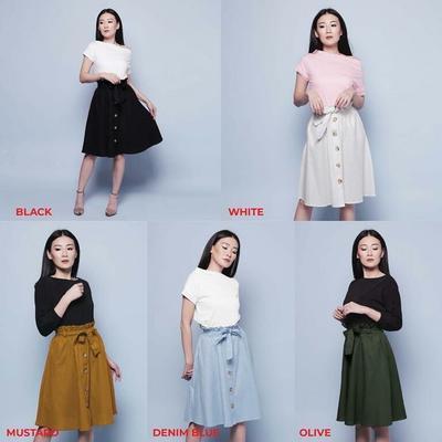 4. Button Skirt Pendek