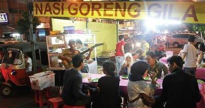 Cari Tempat Makan Kaki Lima di Jakarta Pusat? 5 Tempat Ini Wajib Kamu Cicipi!