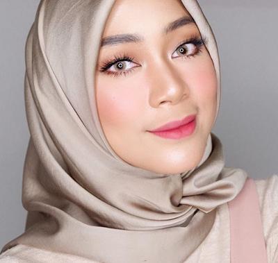 Ladies, Ikuti Cara Make Up Natural dengan Produk Wardah Ini Yuk! Hasilnya Gak Bikin Kamu Kecewa!