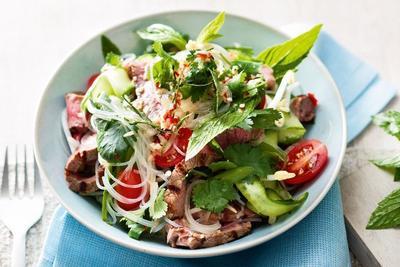 5 Restoran dengan Kuliner Salad yang Enak untuk Diet Sehat