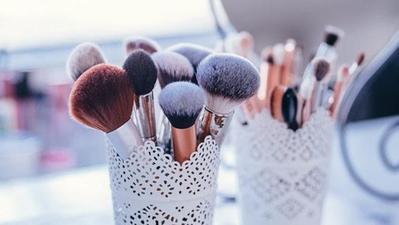 Deretan Kuas Makeup Miniso yang Oke Banget buat Makeup Sehari-hari