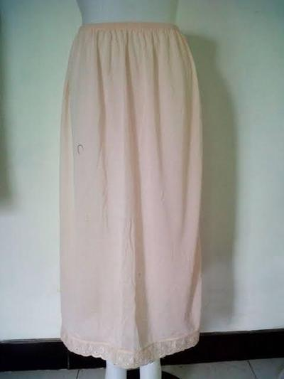 [FORUM] Klo pake rok panjang pada pake daleman apa sist ?