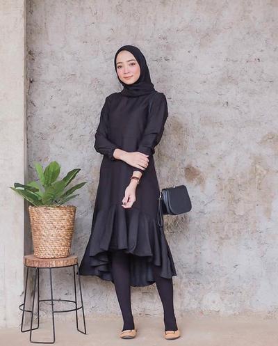 Benar-benar Kece dan Kekinian! 5 Baju Atasan Wanita Ini Cocok untuk Foto #OOTD!