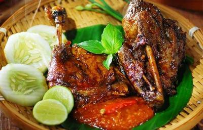 Rekomendasi 5 Restoran Bebek di Surabaya Rasanya 'Uwenak Pol'!