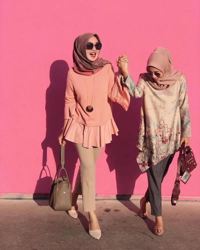 Inspirasi Hijab Fashionable untuk Pergi Ke Kantor Ini Oke Banget, Mana Nih yang Jadi Favoritmu?