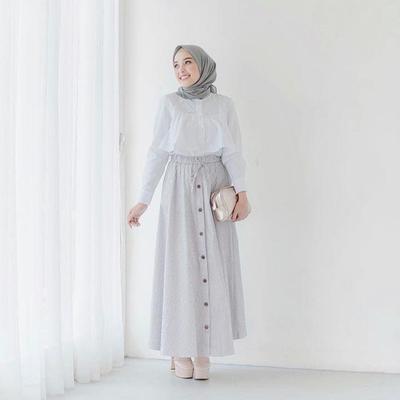 Perpaduan Outfit dengan Warna Kontras