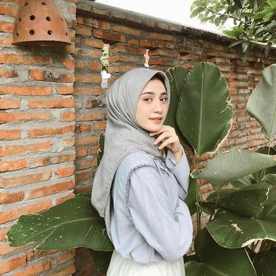 Denim on Denim OOTD ala Hijabers Cantik Helmi Nursifah yang Stylish Abis