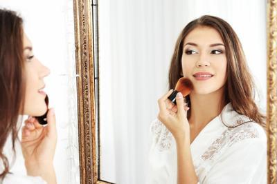 Sedang Belajar Makeup? Simak Disini Kuas Makeup yang Wajib Dimiliki Pemula!