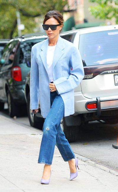 3. Jeans dengan Blazer