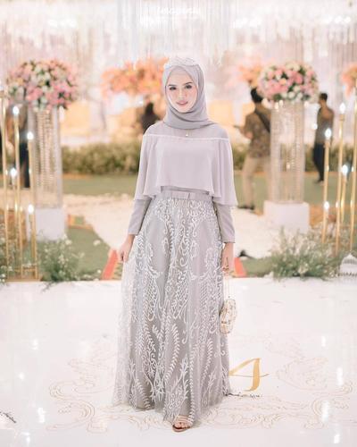 Inspirasi Baju Kebaya Untuk Lamaran Tahun 2019 Cantik Dan Elegan