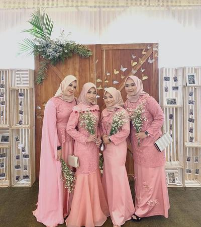 Tampil Lebih Fresh dengan Kebaya Muslim Modern & Dress Warna Peach, Cocok Buat Kondangan - Lamaran!