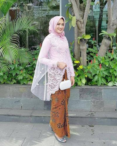 2. Kebaya Muslim Kutu Baru