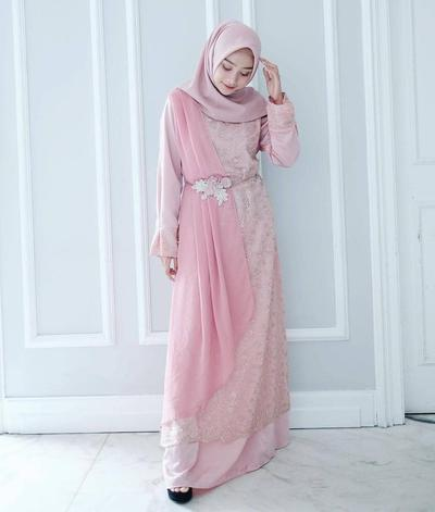 5. Kebaya Muslim Modern Peplum Dress