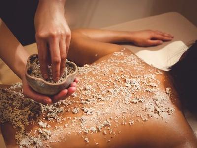 [FORUM] Menggunakan scrub secara rutin apakah bisa memutihkan kulit?